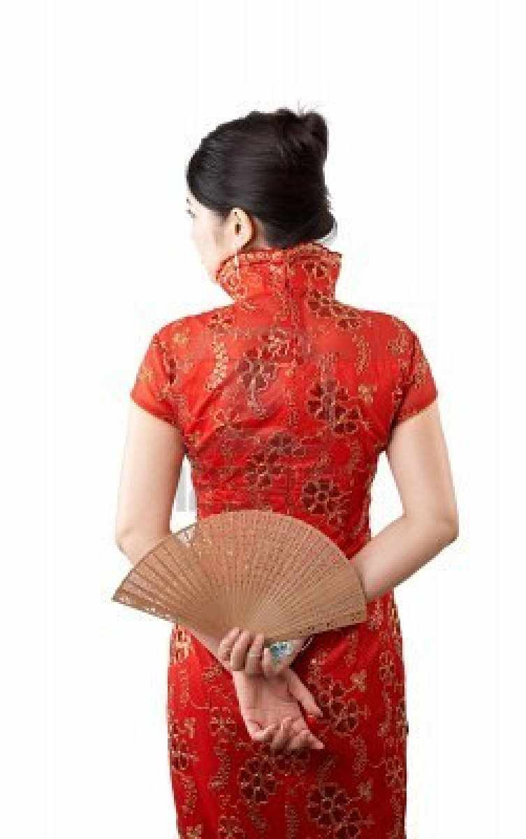 4733122-beautiful-asian-woman-show-her-back-wearing-traditional-red-clothes