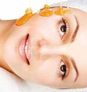 natural-skin-treatment-to-solve-acne-using-honey-mask