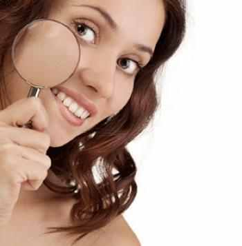 large-pores-00-woman-skin-magnifying-glass