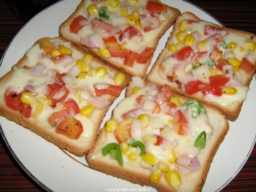 Toast-with-cheese-and-onions