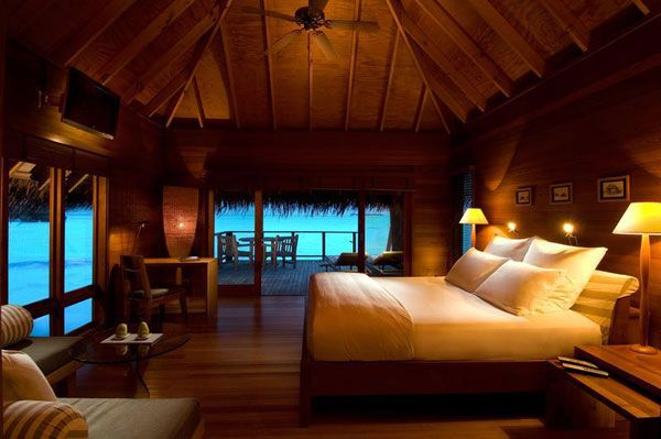 wood-bedroom-villa-resort