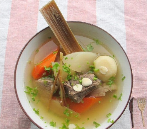 Meat-soup-with-radishes-and-beans