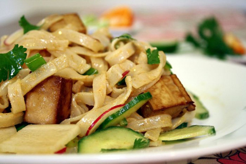 Fried-noodles-with-peanut-sauce
