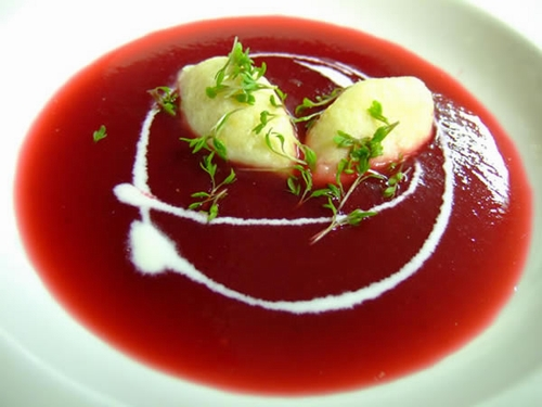 Beetroot-soup-with-cream