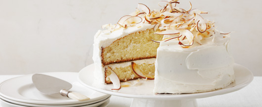 Cake with cream and coconut