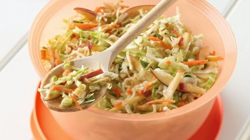 Coleslaw-with-apples