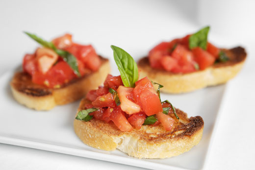 Garnish-the-bread-and-tomatoes-in-the-oven