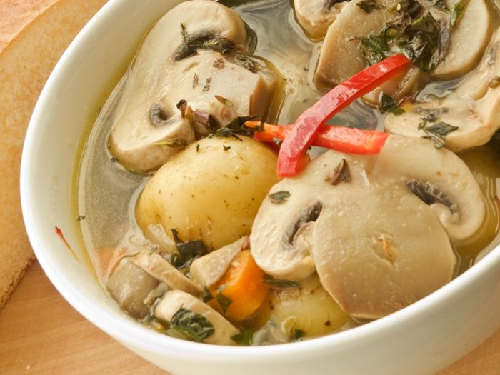 Vegetable soup and mushrooms