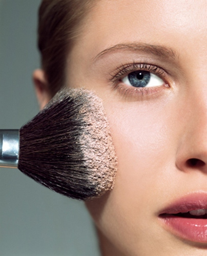 How to Avoid skin damage caused by the excessive use of makeup