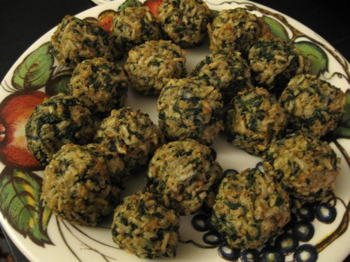 Rice balls with spinach and cheese