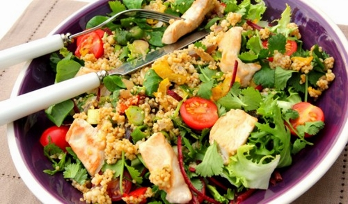 Tabbouleh salad with chicken strips