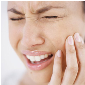 woman-with-toothache