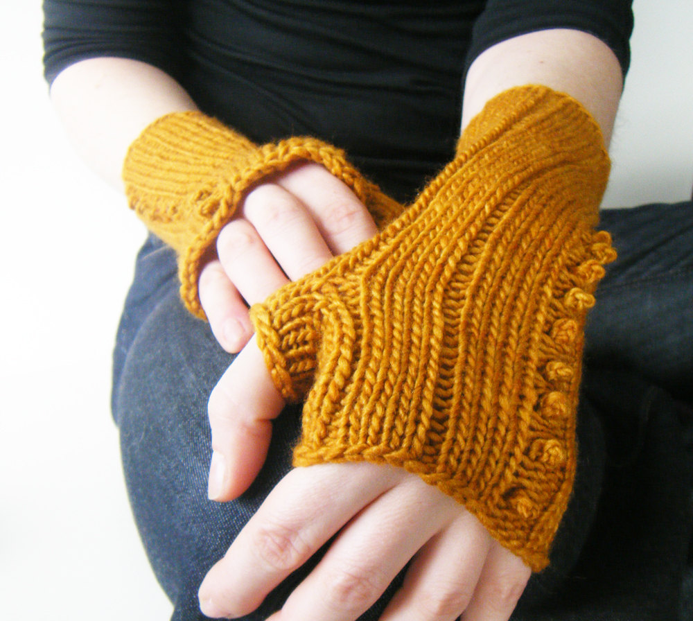 women's fingerless gloves (10)