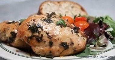 Grilled chicken breast with garlic