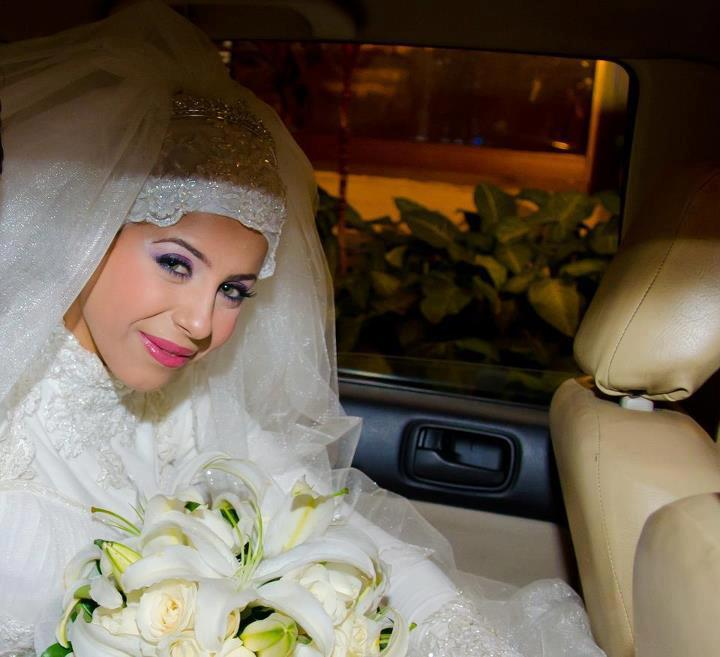 Rolls ask for brides veiled splendor (4)