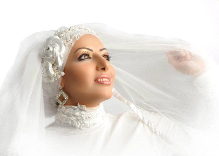Rolls ask for brides veiled splendor (5)