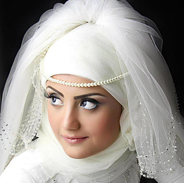Rolls ask for brides veiled splendor (6)