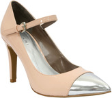 8_tahari-sabrina-mary-jane-pumps