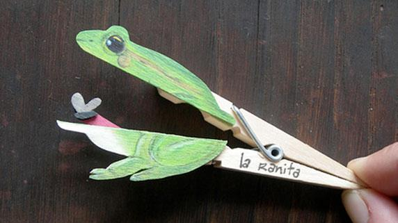 Decorative clothespins (22)