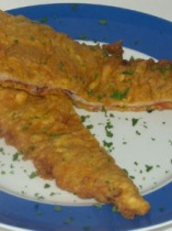 Fried pizza with garlic