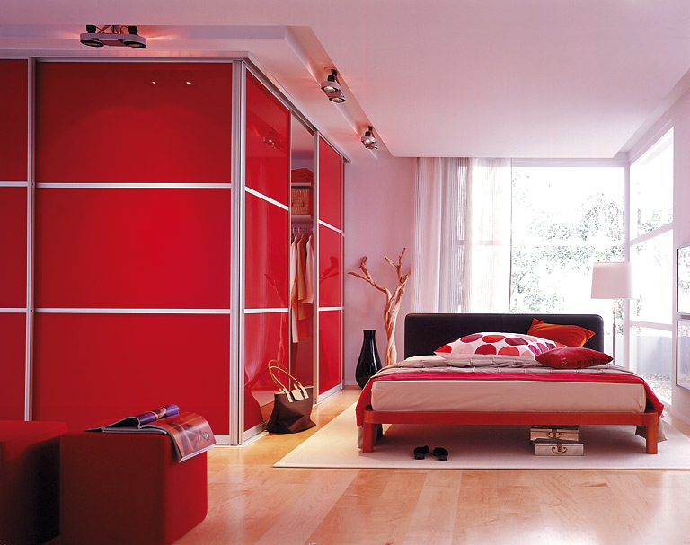 Your bedroom more romantic red (1)