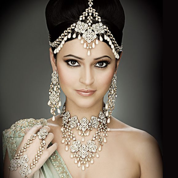 antique-indian-bridal-jewellery-designs-4