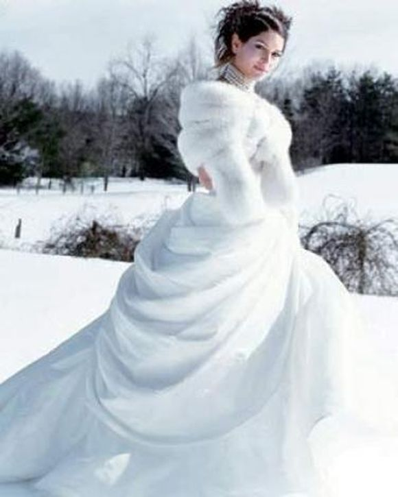 winter-wedding-gowns-4