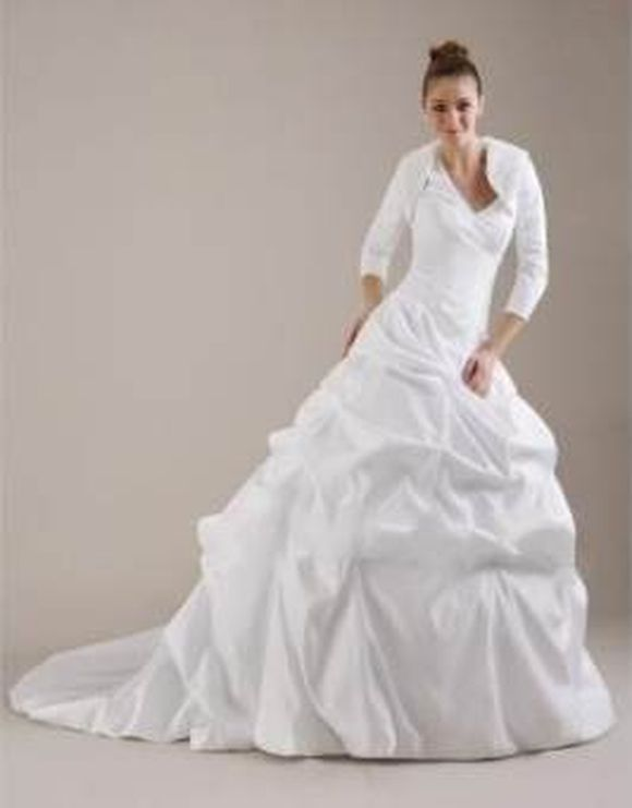 winter-wedding-gowns-7