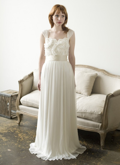 2_the-english-dept-oysters-and-pearls-dress_7-wonderful-wedding-dresses-from-etsy