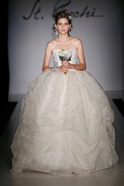 St Pucchi Fall Winter 2011 Bridal New York 10/17/10