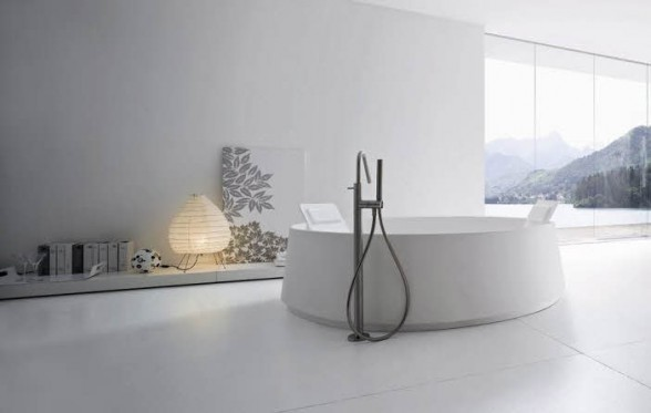 Beautiful-White-Modern-Bathroom-Interior-Decorating-by-Rexa-588x373