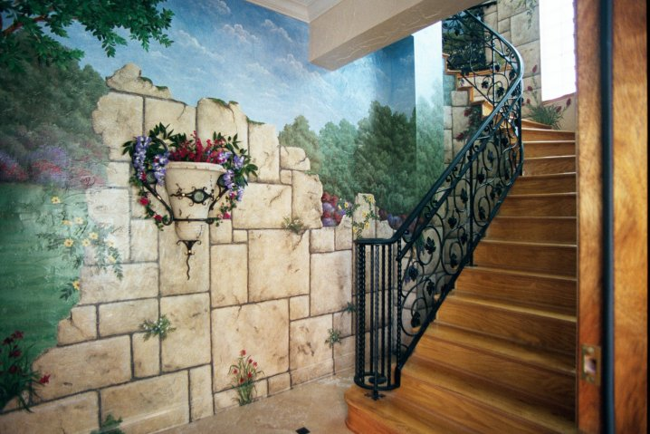 Decoration and painting on the walls10