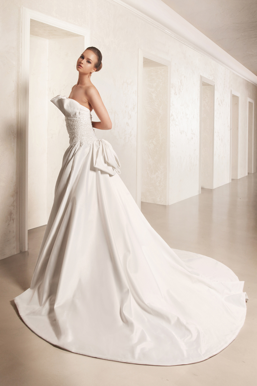 George Hobeika collection of wedding dresses for 2013  (2)
