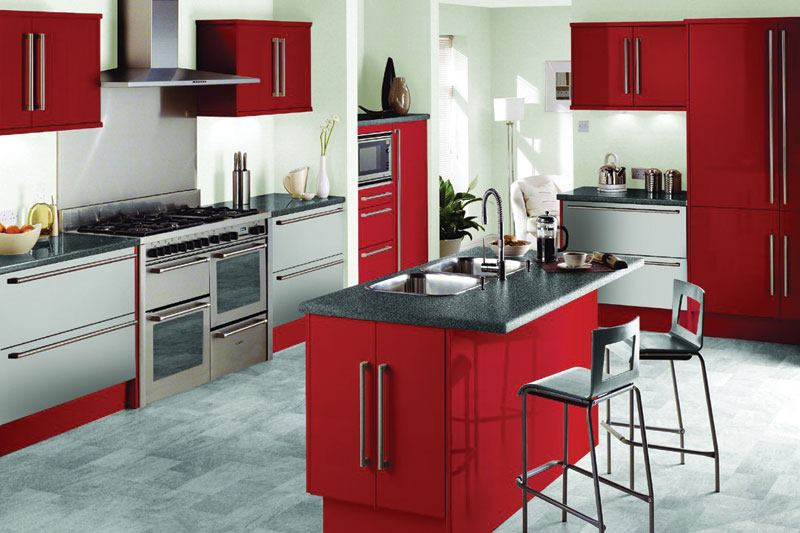 Kitchens decorated in red (13)