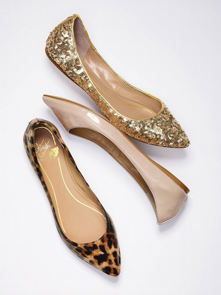 Pointed flat shoes1