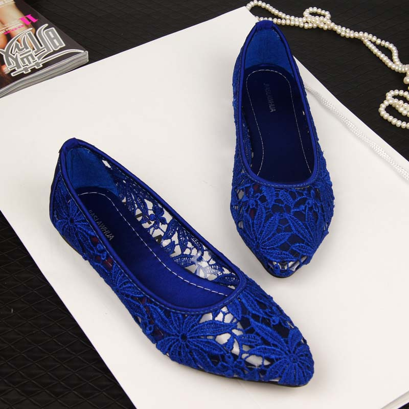 Pointed flat shoes12