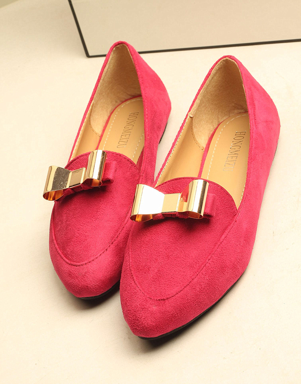 Pointed flat shoes14
