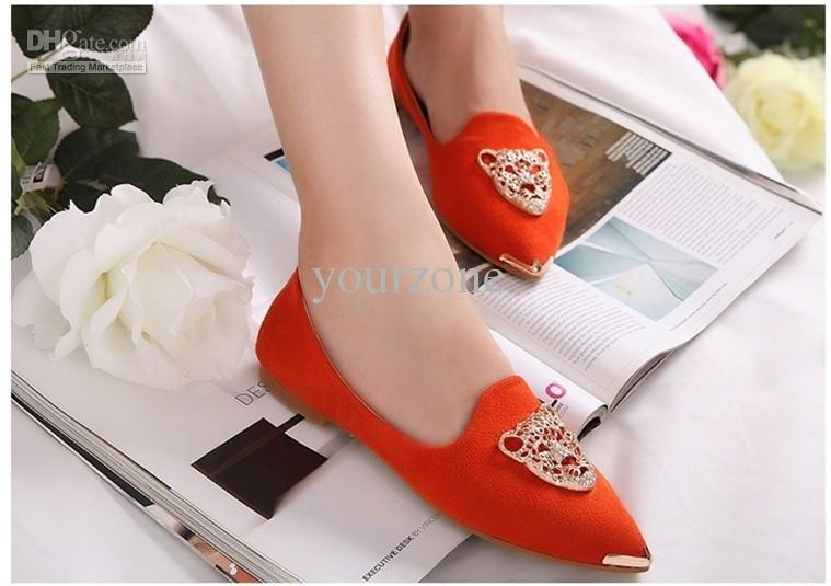 Pointed flat shoes15