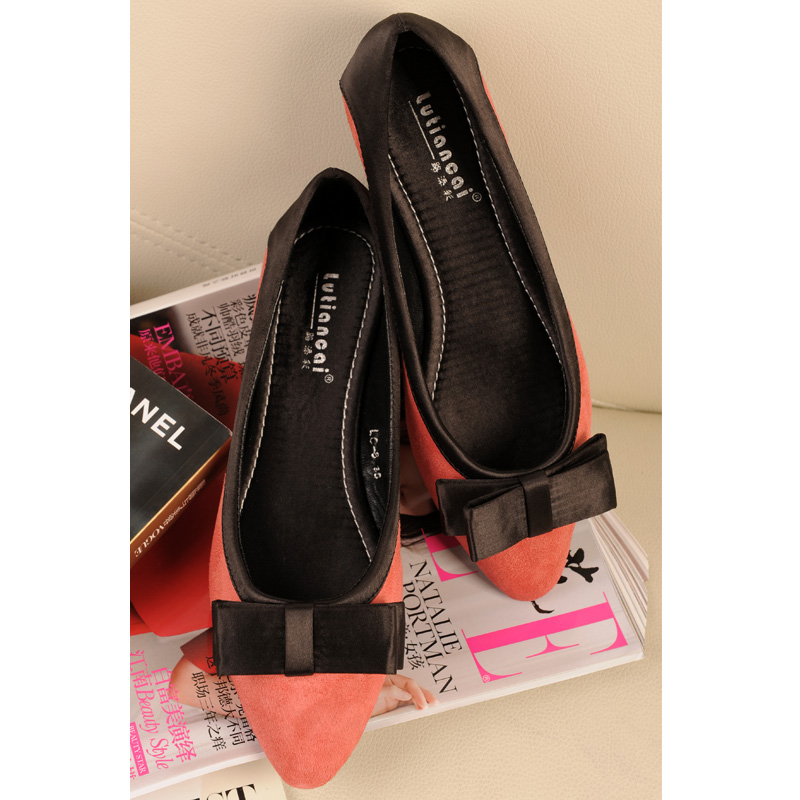 Pointed flat shoes2