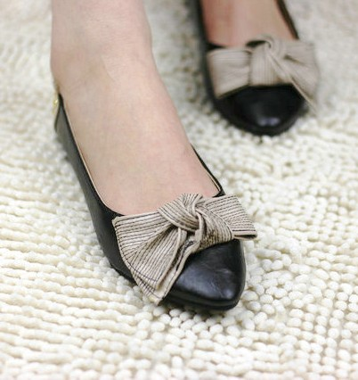 Pointed flat shoes20