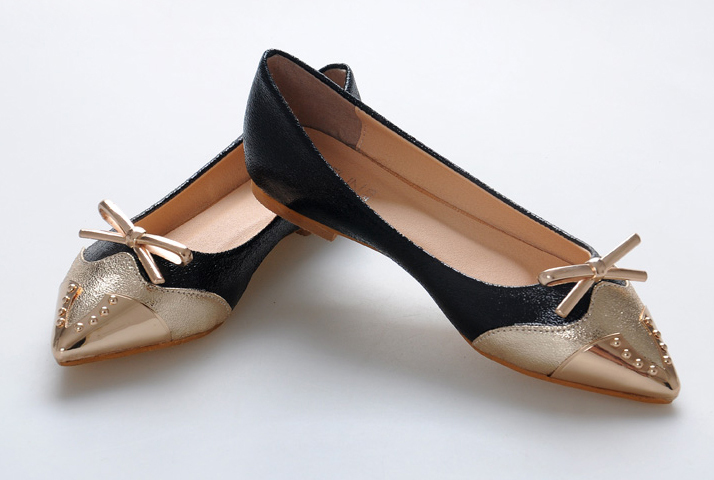 Pointed flat shoes5