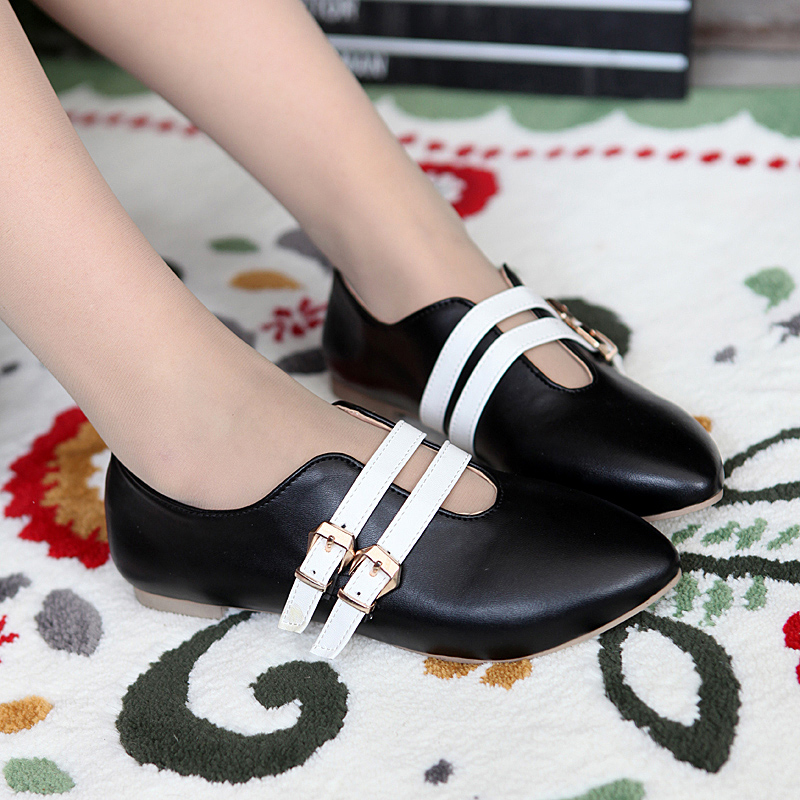 Pointed flat shoes7