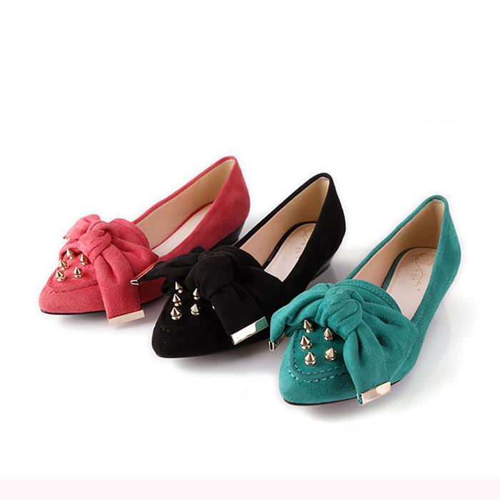 Pointed flat shoes9