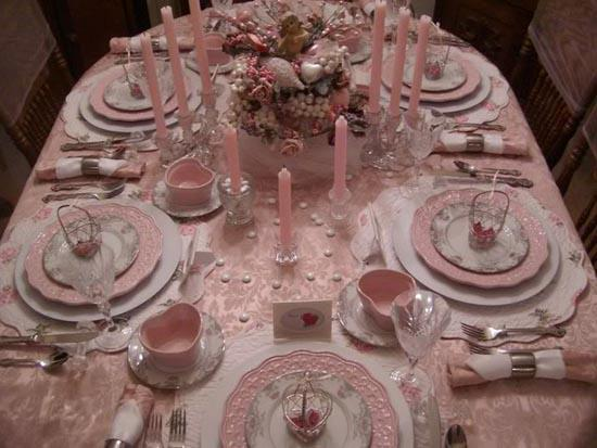 The art of decorating the dining table