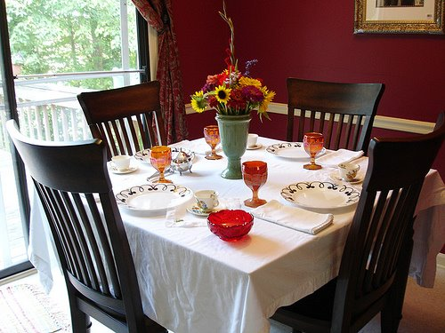 The art of decorating the dining table2