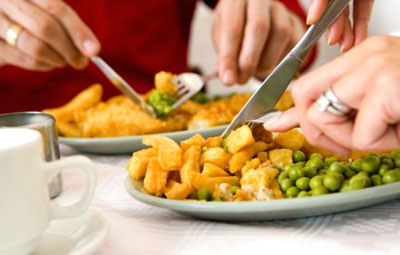 Cutting food into small pieces helps to reduce weight