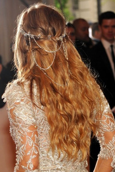 Elegant hairstyles for the bride (3)