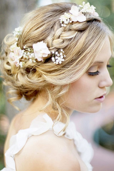 Elegant hairstyles for the bride (7)