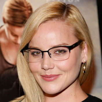 abby-cornish-shimmery-eye-makeup-glasses-square-w352