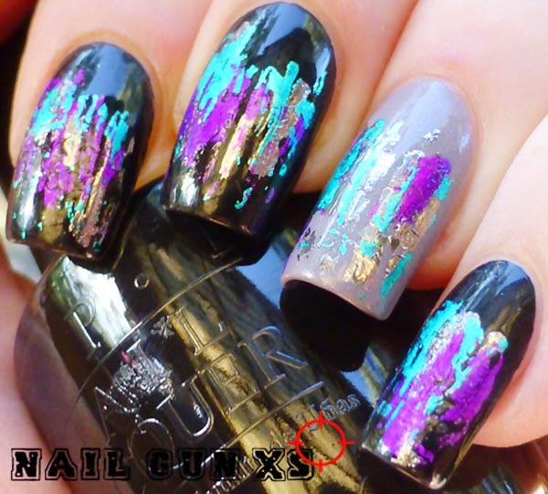 black-gray-iridescent-foil-art-nails